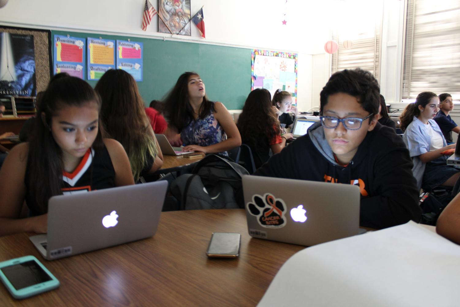 Freshman across EPISD received Apple MacBooks an initiative taken to help modernize the classroom.(Photo by Natalia Lowe)